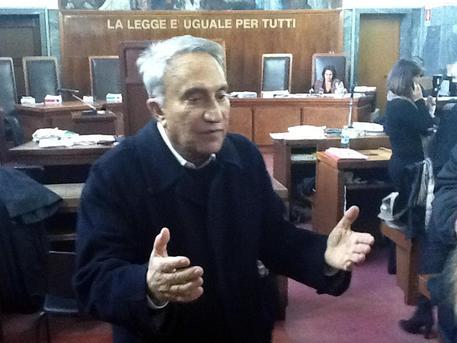 Emilio Fede durante l'udienza del Processo Ruby a carico di Fede Mora e Minetti al Tribunale di Milano, 9 novembre 2012 © ANSA