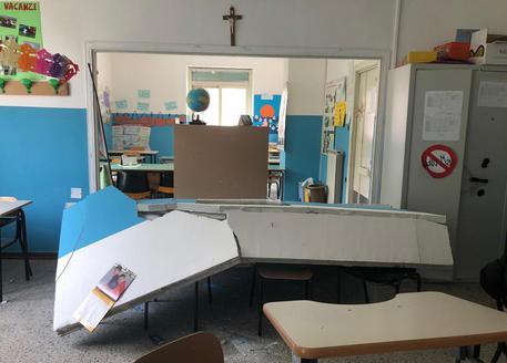 Crolla parete scuola nel Napoletano © ANSA