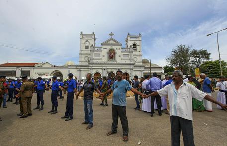 Sri Lanka, turisti italiani:
