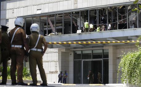 Sri Lanka: esplosioni, almeno 156 morti, anche 35 stranieri