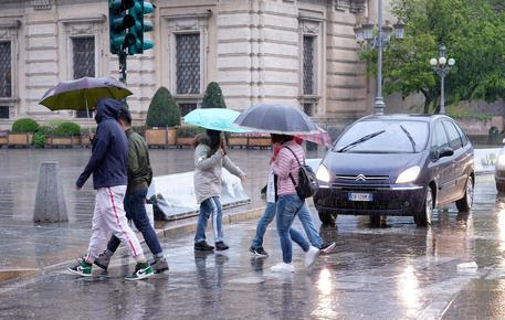 Maltempo: Piemonte, 1 metro neve e 100 mm pioggia © ANSA