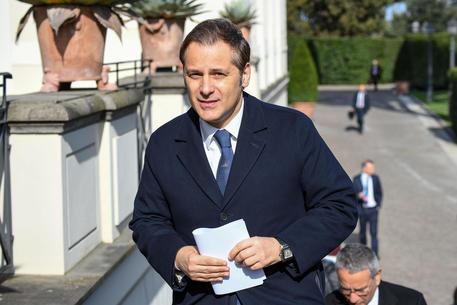 Sottosegretario Siri indagato per corruzione, M5S ne chiede le dimissioni$