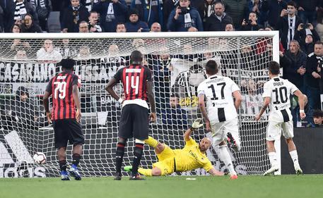 Juve-Milan 2-1, domani chance scudetto 661c4b359aaf7972e9bbd2c2604a6da2
