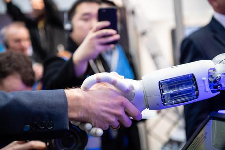 Intelligenza artificiale, Commissione Ue presenta le linee guida etiche