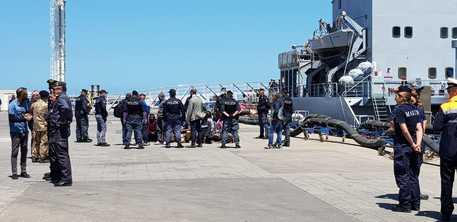 Attracca ad Augusta la nave Stromboli con 36 migranti a bordo