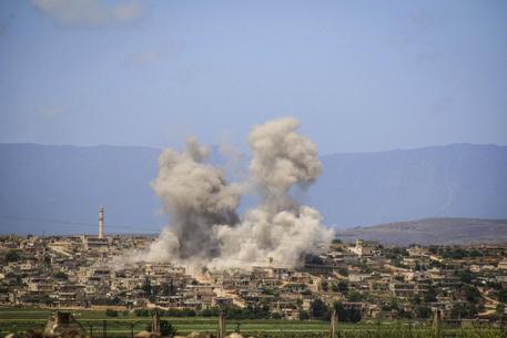 Raid israeliani nel sud-ovest della Siria, 10 morti