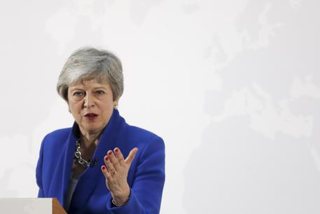 Brexit, Theresa May si dimette: