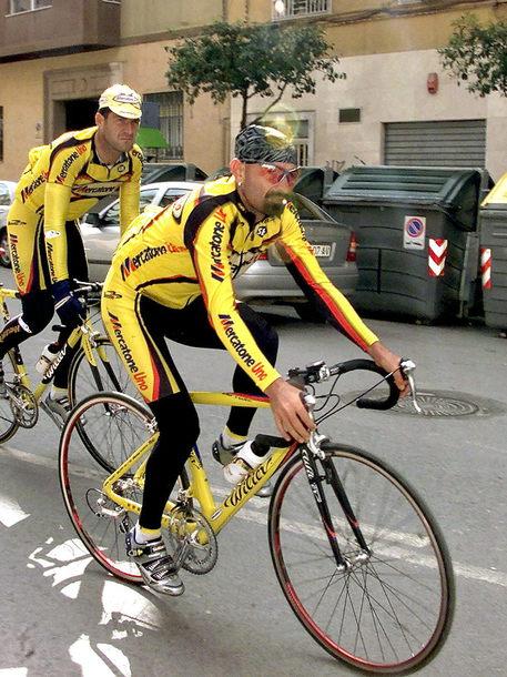 Lo storico marchio imolese accompagnò i trionfi ciclistici di Marco Pantani © EPA