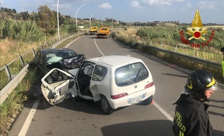 Scontro tra auto a Samassi, muore una 49enne © ANSA