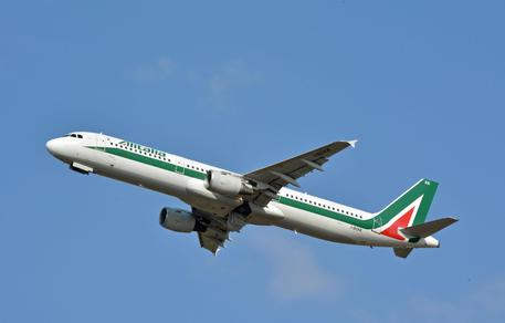 Alitalia nel futuro di Lotito? Depositata la manifestazione d'interesse