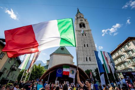 Suono Campane A Festa.Cortina Campane A Festa E Inno D Italia Veneto Ansa It