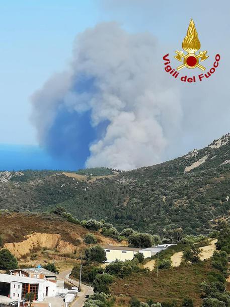 Incendio Ogliastra, distrutti 100 ettari