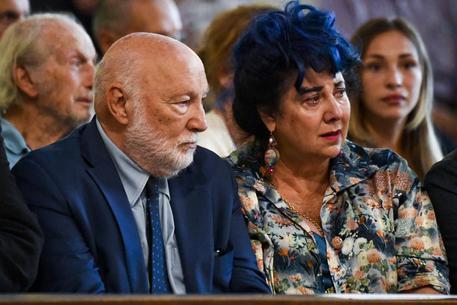 Luciano De Crescenzo Napoli Lo Saluta Sepolto In Costiera