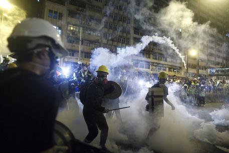 Lam: sfidata la sovranità di Hong Kong