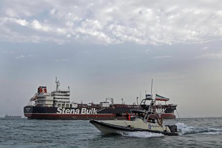 Iran, sequestrata un'altra petroliera straniera