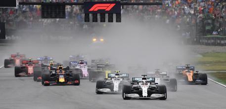F1, Germania: Vince Verstappen, Vettel partito ultimo chiude al secondo posto