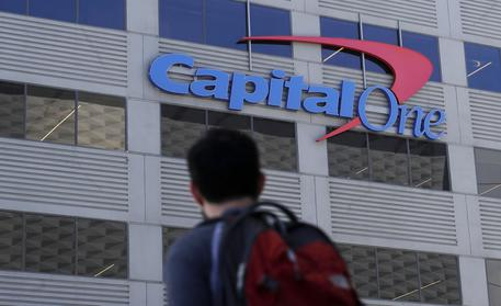 Hacker Capital One, colpito anche Canada