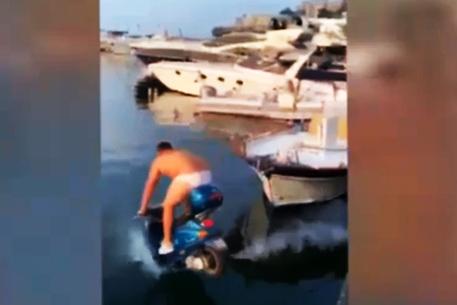 Ritrovato lo scooter della scommessa di Balotelli