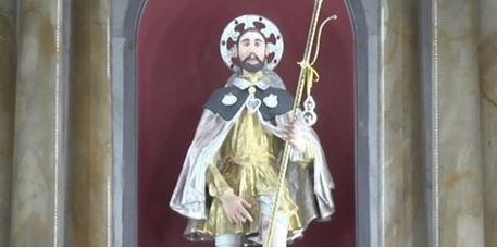 La statua di San Rocco venerata a di Cosoleto  © Ansa