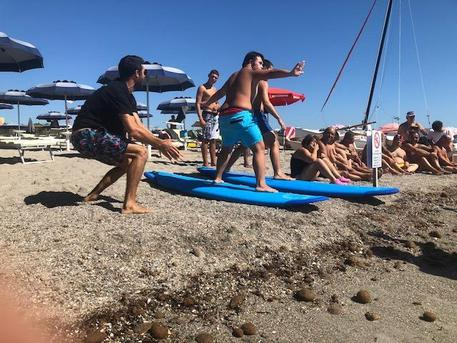 A lezione di surf con Francisco Porcella