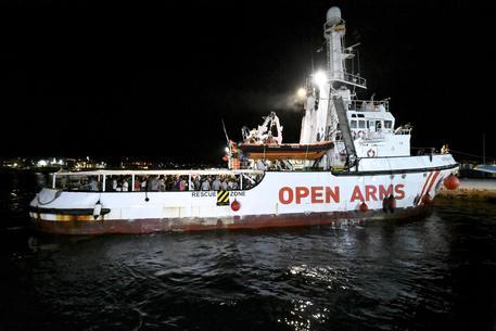 La nave spagnola Aita Mari verso Pozzallo, a bordo 78 migranti
