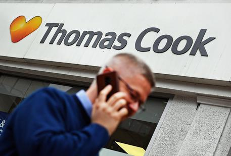 Il tour operator Thomas Cook in bancarotta, 600mila turisti restano a piedi