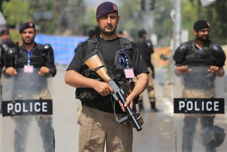 Iraq, oltre 13 morti e 865 feriti negli scontri di Kerbala