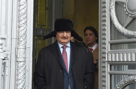 Haftar lascia Mosca © EPA