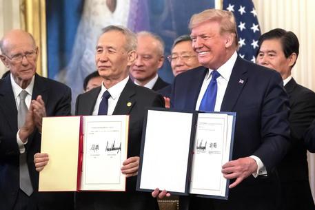 Donald Trump e il vice premier cinese Liu He © EPA