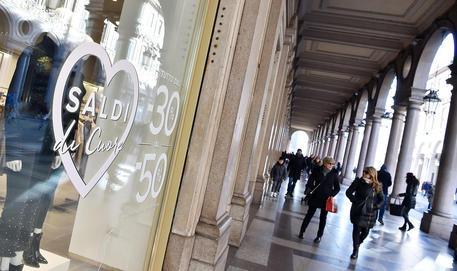 Negozi nel centro di Torino © ANSA