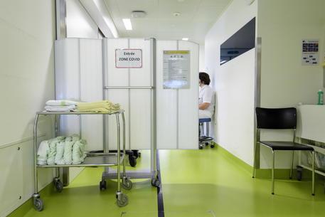 Svizzera,fuori anziani da terapie intensive se mancano posti - Ultima Ora