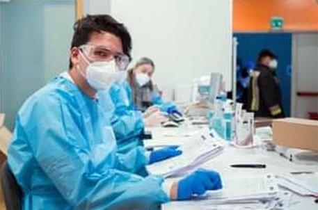 Coronavirus Italia, 22.930 nuovi casi e 630 morti nelle ultime 24 ore