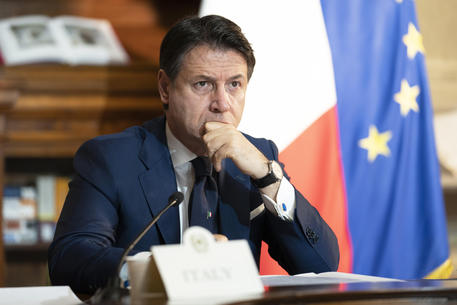 Italy PM Appeals For Unity As Renzi Threatens To Sink Government