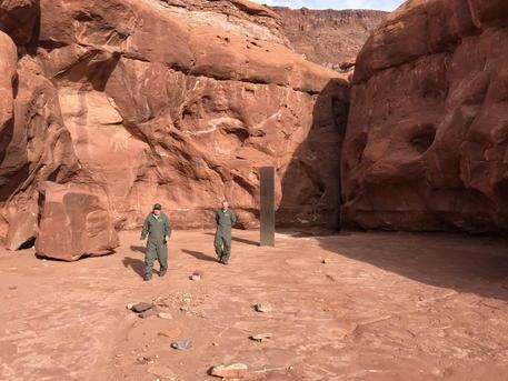 Il misterioso monolite nel deserto dello Utah: l'incredibile ritrovamento