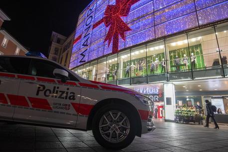 Terrorismo, attacco a Lugano: aggredite due donne in centro commerciale