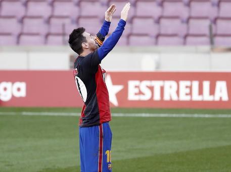 Il Barcellona taglia gli stipendi di oltre 100 milioni