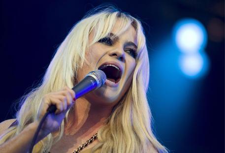 Duffy la cantante, da tempo sparita dalle scene, racconta il suo dramma