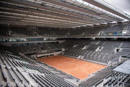 Il Roland Garros torna a settembre: non si giocherà a porte chiuse