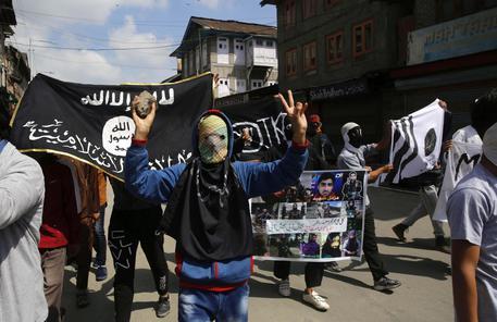 Anche l'Isis teme il coronavirus: