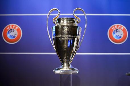 Coronavirus, l'Uefa rinvia le finali delle coppe europee