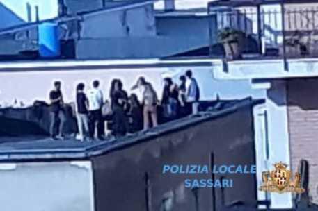 Festa in terrazzo, Erasmus interrotto
