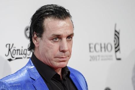 Rammstein: il cantante Till Lindemann ricoverato in terapia intensiva per coronavirus