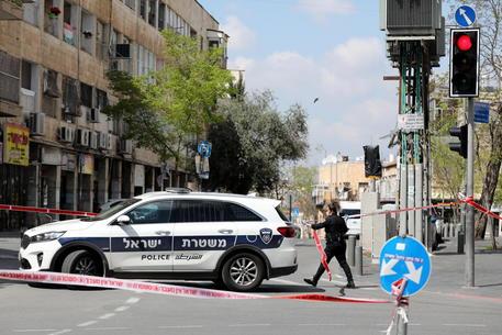 Coronavirus, diffusione per 70 giorni e poi sparizione: lo studio israeliano