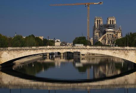Parigi, tracce di coronavirus nell'acqua non potabile - Europa