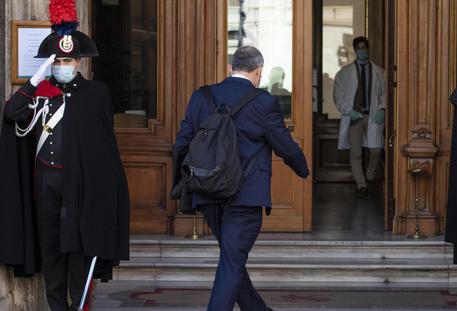 Italia, il Senato si ferma per Covid