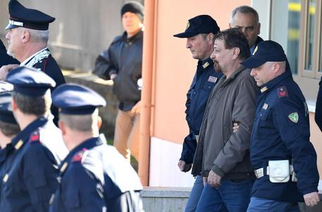 Cesare Battisti resta in carcere, rigettata l'istanza dei suoi legali