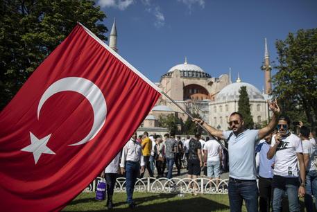Turchia: oggi la prima preghiera a Santa Sofia moschea