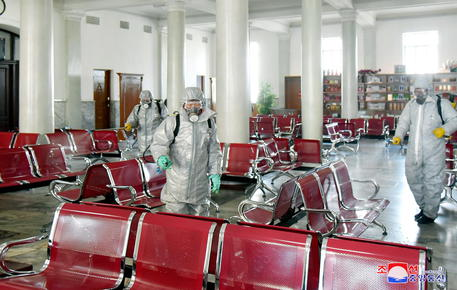 Il coronavirus piomba su Kim Jong-un. Allerta massima in Corea del Nord