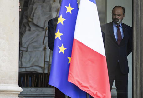 Si dimette il premier francese Edouard Philippe