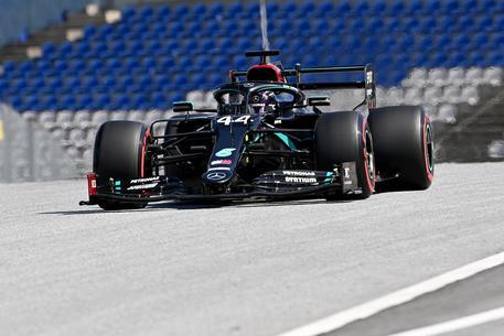 Coraggio Leclerc Accende la Ferrari E strappa applausi